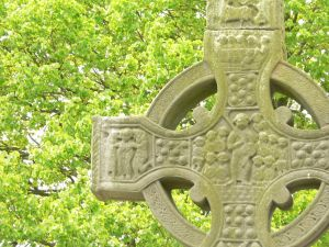 Celtic Cross with Foliage
