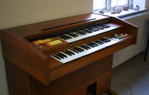 electric-organ.jpg